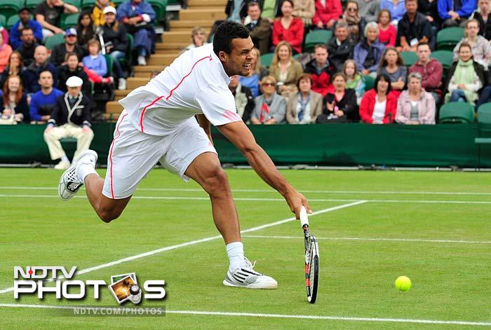 Tsonga lost the first set but managed to come back to take the game in style.