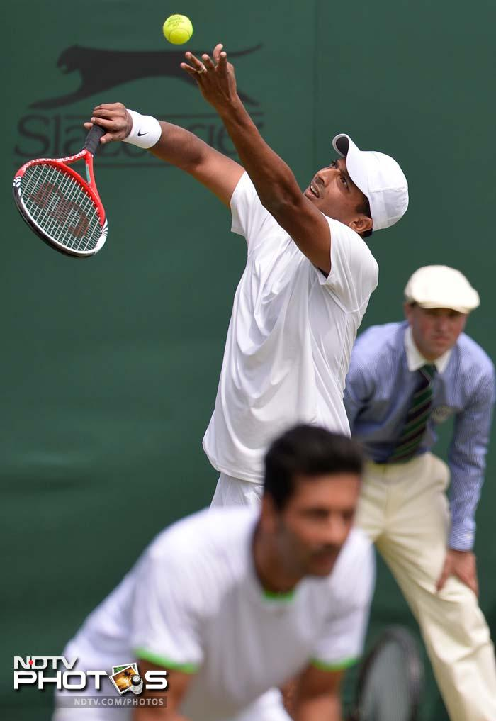 Mahesh Bhupathi and Austrian Julian Knowle also defeated Canadian combination of Jesse Levine and Vasek Pospisil.<br><br>However, Sania and Liezel Huber exited in the third round.
