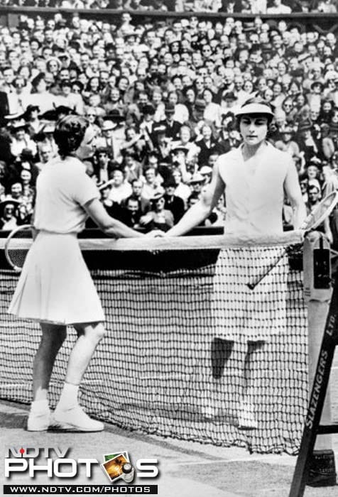 <b>Winner of most singles title:</b> Before 1968, Helen Wills held the record for winning the most number of singles title. She won the Wimbledon trophy eight times in 1927, 1928, 1929, 1930, 1932, 1933, 1935, 1938. In the post-1967 era, America's Martina Navrátilová won the title nine times. She won the coveted trophy in 1978, 1979, 1982, 1983, 1984, 1985, 1986, 1987, 1990.