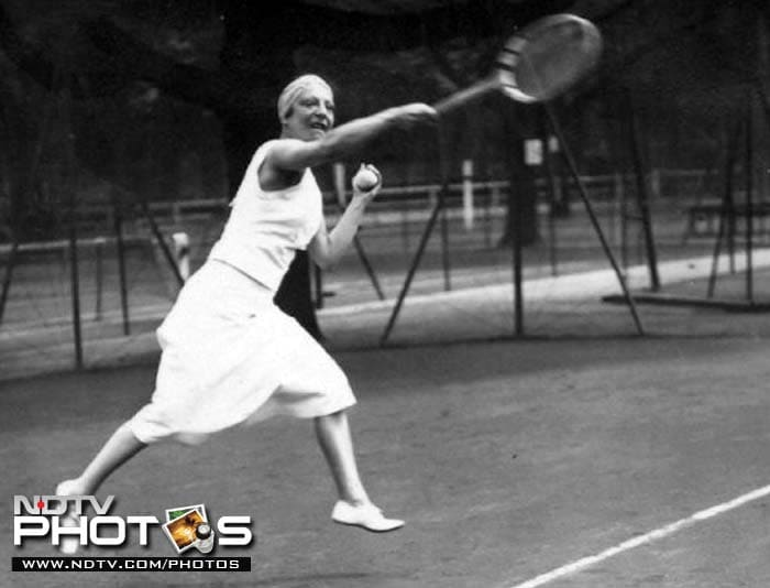 <b>Winner of most consecutive Ladies' Singles titles:</b> French legend Suzanne Lenglen holds the record of winning the Wimbledon title five times (from 1919-23). After 1967, Navrátilová over took Lenglen with six titles from 1982-87.