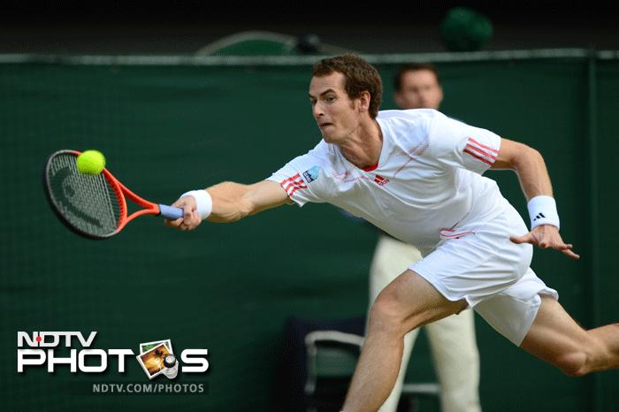 Murray looked in good touch right from the start and had no difficulty taking the first set off the Frenchman.