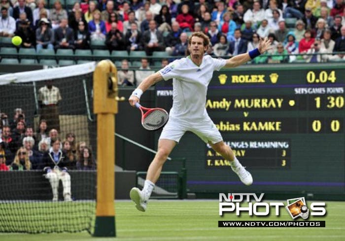 Briton Andy Murray didn't have too much trouble disposing off German player Tobias Kamke in a round 2 match.
