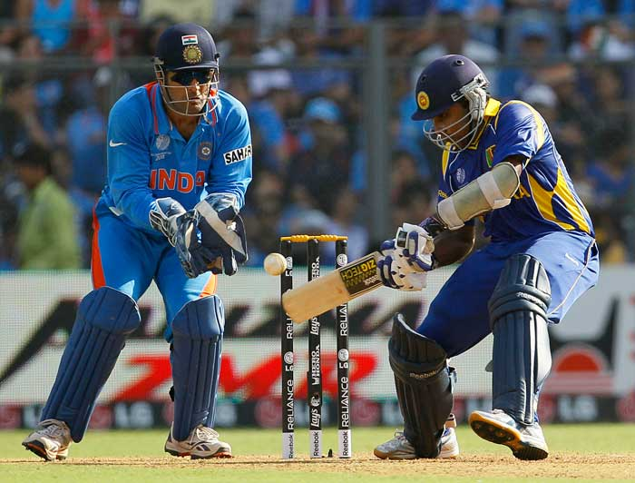 Mahela Jayawardena played a run-a-ball innings, to hold one end firm for the Lankans. (AFP Photo)
