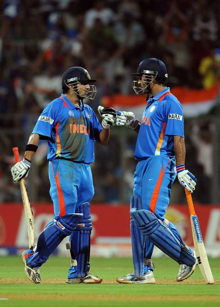 The pair of Gambhir and Dhoni put up a 50-run partnership to put India in a strong position. (AFP Photo)