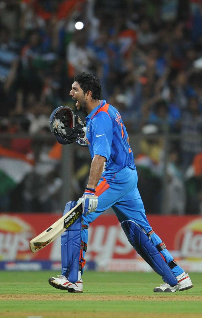Team India celebrates the World Cup 2011 win. (AFP Photo)