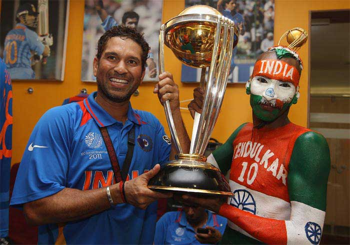 <b>Fan's Cup of Joy Spilleth Over: </b>Did this man know, when he donned his elaborate, patriotic make up, that he would end the day on this high note? Did all of India?
