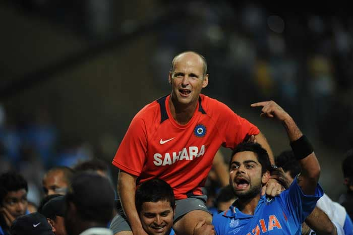 <b>Farewell Guru Gary: </b>The shishayas continue the parampara of giving Guru Dakshina. What better prize than this for Indian coach Gary Kirsten, who has announced that he will leave Team India after the World Cup. (AFP Photo)