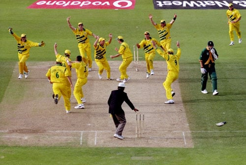 <b>1999: Donald is run out and a tie sends Australia to the final</b><br><br> This is remembered as a black day in South African cricket. Needing 9 runs to win off the final over after a see-saw battle, Lance Klusener hit 2 boundaries of the first two balls to bring down the equation to 1 off 4 balls.<br><br> Klusener attempted a quick single on the fourth ball with Donald not paying attention to the call. Finally when he did it was too late as Gilchrist had run him out by then. The match ended in a tie but Australia went on to the final due to their better run-rate in the Super Six table.