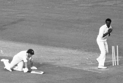 <b>1975 FINAL: Richards runs out three as Australia lose plot</b><br><br> After Clive Lloyd's 102 had guided West Indies to 291. Australia started their chase in commanding fashion with opener Alan Turner and skipper Ian Chappell steering the ship.<br><br> But the suspect running of the Australians was something which the West Indians had in their mind from the beginning. The agile Viv Richards was lurking within the circle and he sent back Turner with a direct hit.<br><br> Ian Chappell then committed the sin of running on a misfield and the hesitation allowed Richards to cover lost ground and his accurate throw allowed Lloyd to break the stumps before Chappell could reach home. Younger brother Greg was Richards' next victim and with 2 more run outs late in their innings Australia finished 17 runs short of their target.