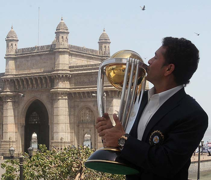 Well done Dhoni and team. Congrats to saachin for his dream came true<br/><br/>Somu