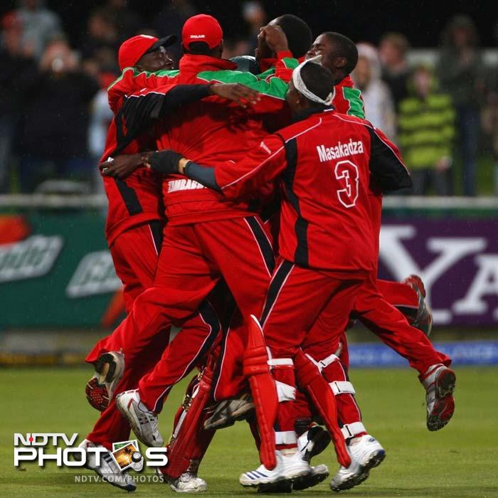 <b>Zimbabwe beat Australia:</b> The fourth match of the inaugural T20 World Cup proved not even the World Champions Australia could take the format for granted. Zimbabwe, who did not even have the Test status, stunned the Australians by 5 wickets. Elton Chigumbura wreaked havoc with his 3-wicket haul. Andrew Symonds and Brad Hodge took Australia to 138 but that was not sufficient. Brendan Taylor scored 60 off 45 to take his side to victory.