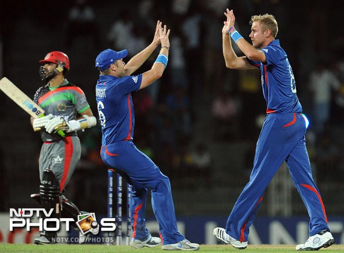 Afghanistan were rocked early on as they lost 2 quick wickets and were tottering at 2/2.