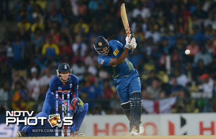 Angelo Mathews looked set for a big one as he smashed 28 runs off 19 balls. Sri Lanka were clearly pushing for a 180 plus score.