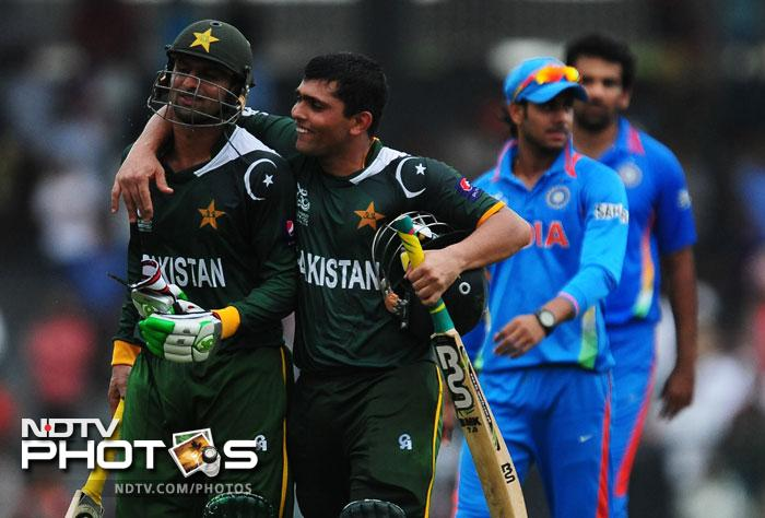Pakistan gave themselves a morale boost before the tournament when they defeated India by 5 wickets in their warm-up encounter ahead of the World T20 in Sri Lanka. (AFP Photos)