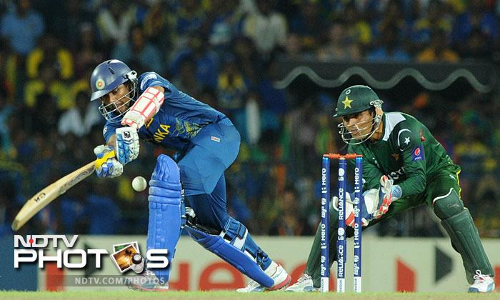 Tillakaratne Dilshan gave Mahela good support but his 35 from 43 was a slow innings considering the fact that the Lankans needed quick runs to get going.