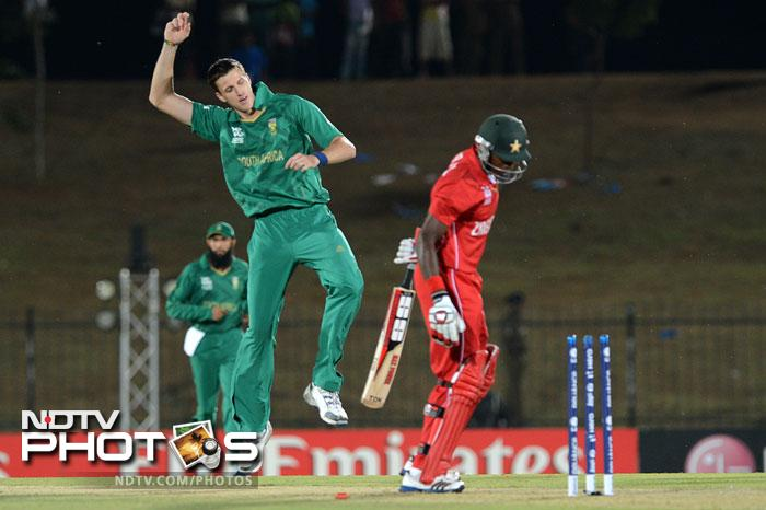 Asked to bat first, Zimbabwe were in early trouble as Morne Morkel got rid of Vusi Sibanda and skipper Brendan Taylor to leave them reeling at 6/2.