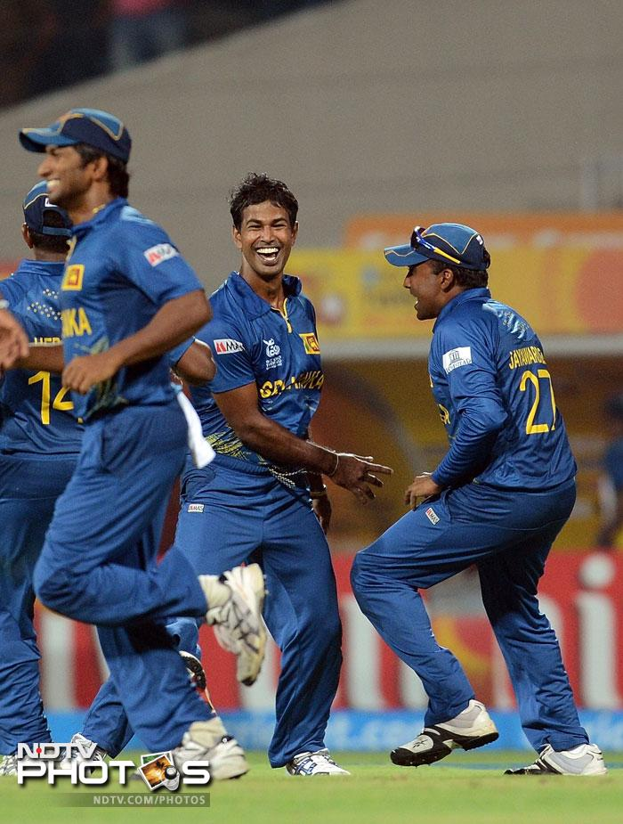 Nuwan Kulasekara struck a vital blow for the Lankans when he removed Chris Gayle for just 2 runs to his name. West Indies were in trouble at 16/2.