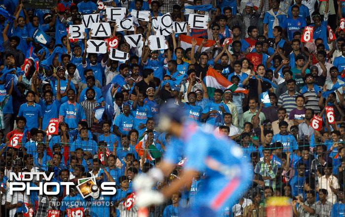 The crowds were waiting eagerly in anticipation as Yuvi came out to face his first ball.