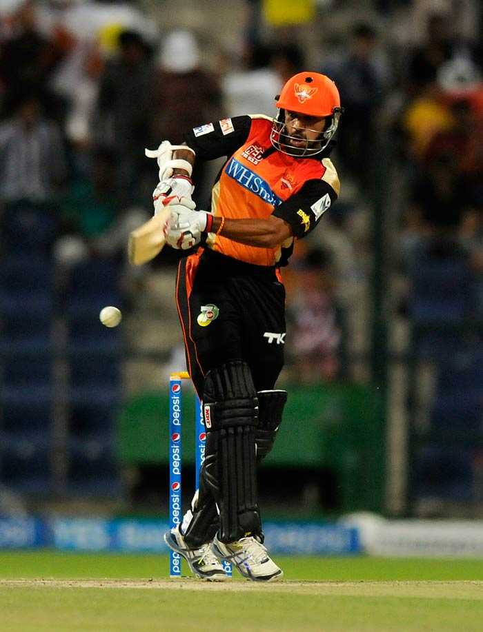Shikhar Dhawan led the way for Hyderabad with a quick innings of 38.