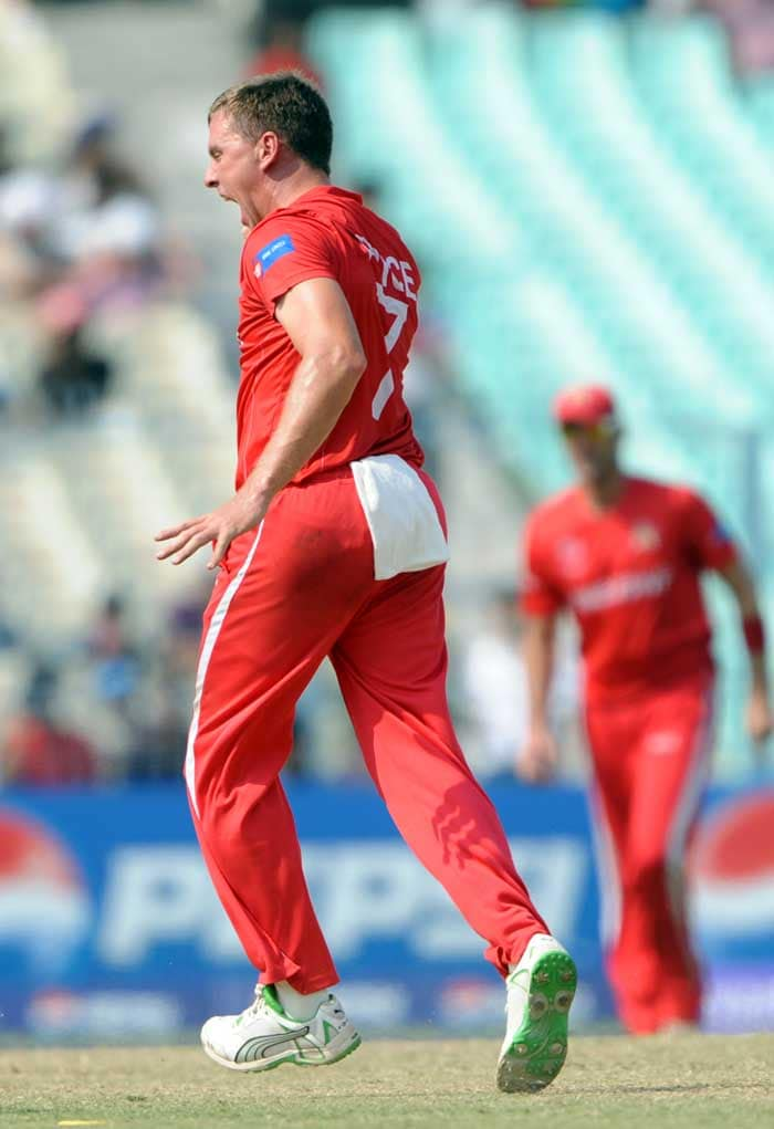 Zimbabwe bowler Ray Price after the dismissal of unseen Kenya player Steve Tikolo. (AFP Photo)