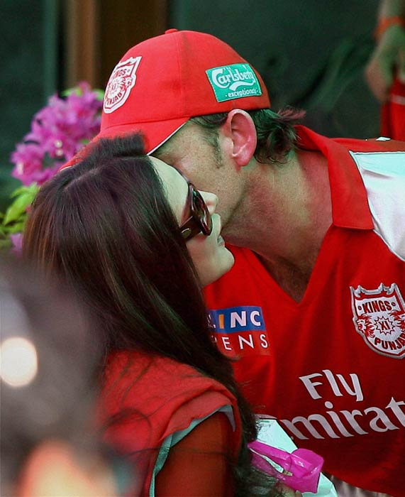 And she did not forget to congratulate the captain, Adam Gilchrist after the sensational win.