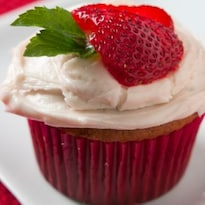 Strawberry Amaranth Cupcakes
