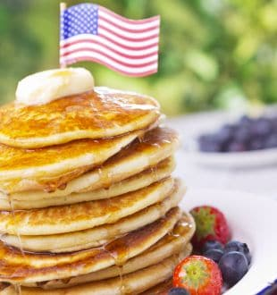 10 Favorite American Foods of All Time: From Delicious Pancakes to Breakfast Sausages