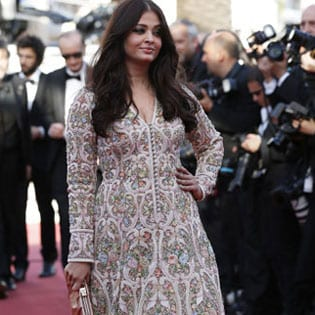 Indian Cinema : After starting stylish, Aishwarya Rai Bachchan has a