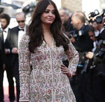 Cannes 2013: After starting stylish, Aishwarya has a hiccup