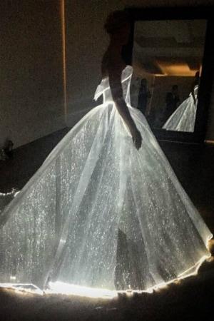 Claire Danes Illuminates Met Gala