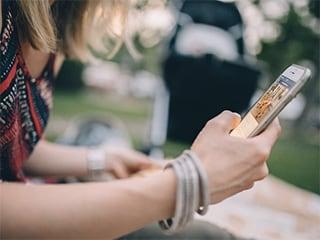 दिवाली गिफ्ट शॉपिंग के लिए ये हैं बेहतरीन स्मार्टफोन