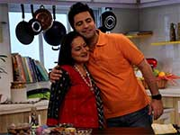 Himani Shivpuri, Kunal Kapur Hug it Out on My Yellow Table