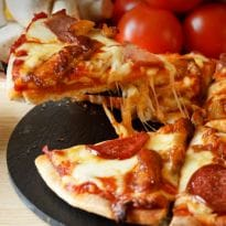 In Search of the Perfect Pizza: How to Make Delicious Pizza Sauce