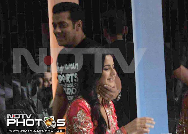 salkat4 634807062766101259 When Salman Khan couldnt keep his hands off Katrina Kaif