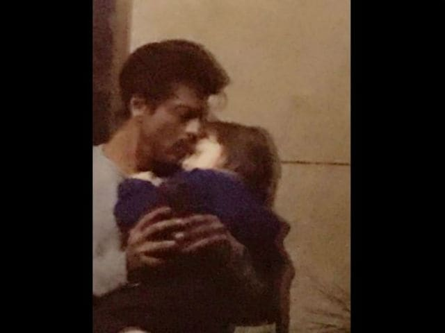 Nothing To See Here. Just A Pic Of SRK And His 'Date'
