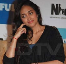 Jiah Khan died of hanging, concludes postmortem report