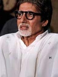 BJP Defends Amitabh Bachchan For Government Event, So Does Rishi Kapoor