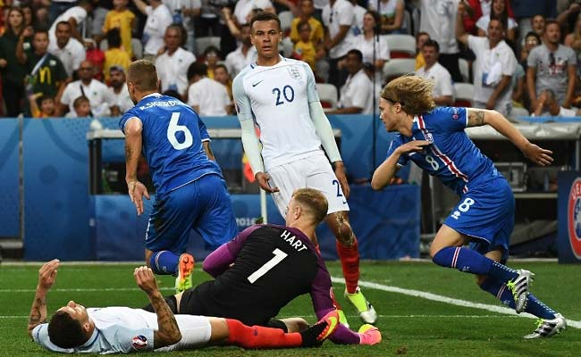 Sigthorsson Helps Iceland Take 2-1 Lead Against England