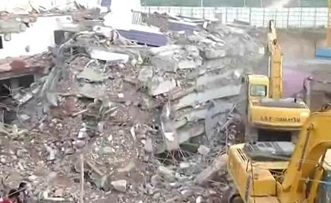 1 Dead, Many Feared Trapped After 6-Storey Building Collapses In Hyderabad