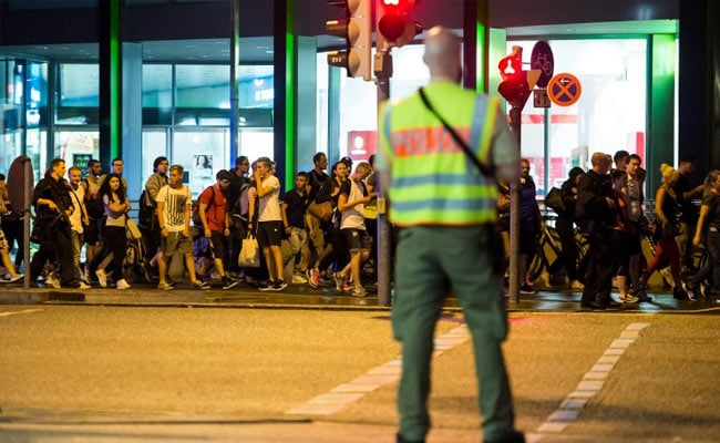 Munich Shooter, 18, Killed 9 Before Committing Suicide