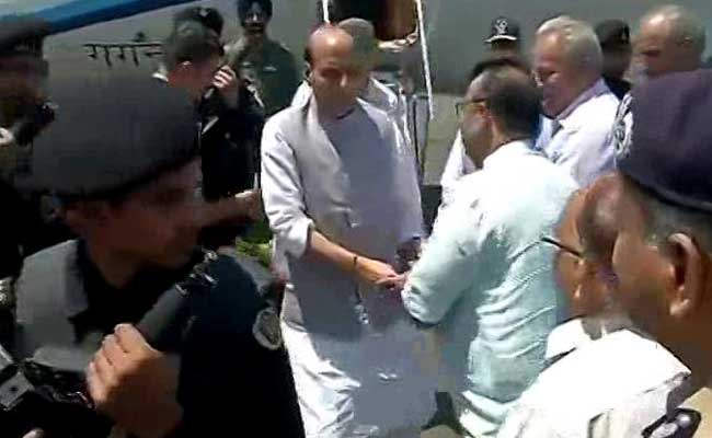 Traders Refuse To Meet Home Minister In Violence-Hit Kashmir