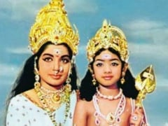 Sridevi's Tribute To J Jayalalithaa On Twitter With Old Photo