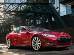 Chinese Tech Giant, Creator Of WeChat Mobile App, Takes 5% Stake In Tesla