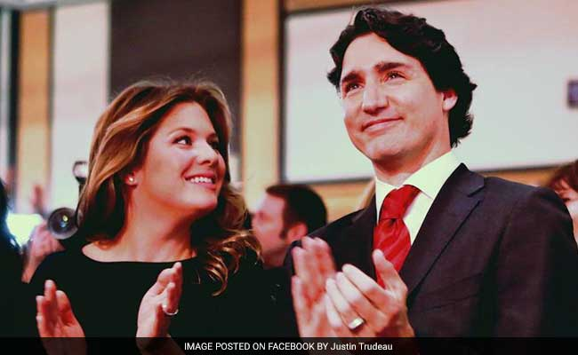 Canadian PM Justin Trudeau Shows Romance Is Not Dead