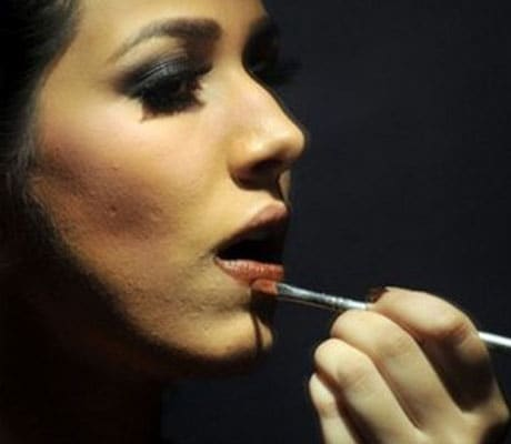 Every woman's dream is to have her own personal make-up artist. That