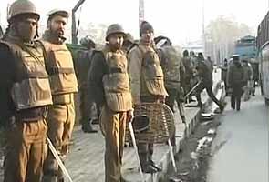 Afzal Guru Ko Faansi  Kashmir Ghaati Mein Doosare Din Bhi Curfew
