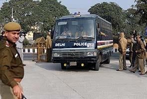 Delhi Gang-rape  Court Ne Band Kamre Mein Sunavaai Ke Faisale Ko Barkaraar Rakha