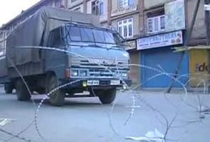 Afzal Ko Faansi  Kashmir Ghaati Mein Curfew Lagaaya Gaya