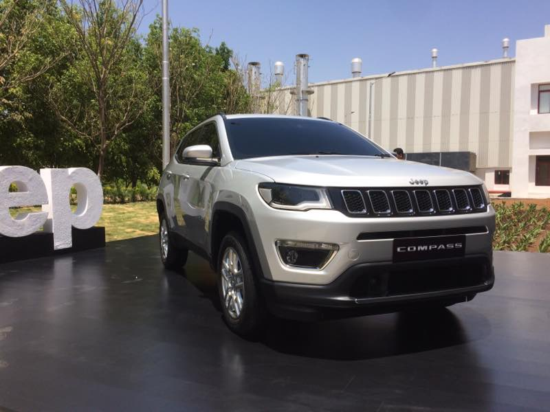 jeep compass suv india unveil highlights ndtv carandbike. Black Bedroom Furniture Sets. Home Design Ideas