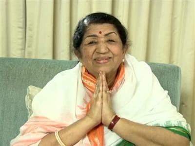 Video : Lata Mangeshkar donates for Uttarakhand victims